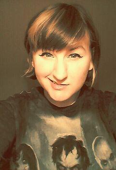 warmamber me selfie smile people