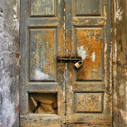 broken hdr photography retro travel vintage winter doors door old