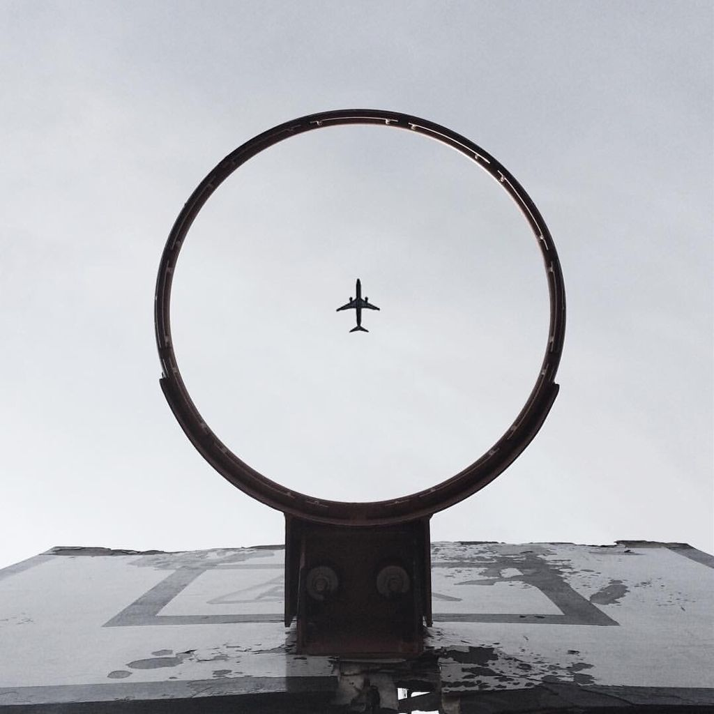 put a plane on photo