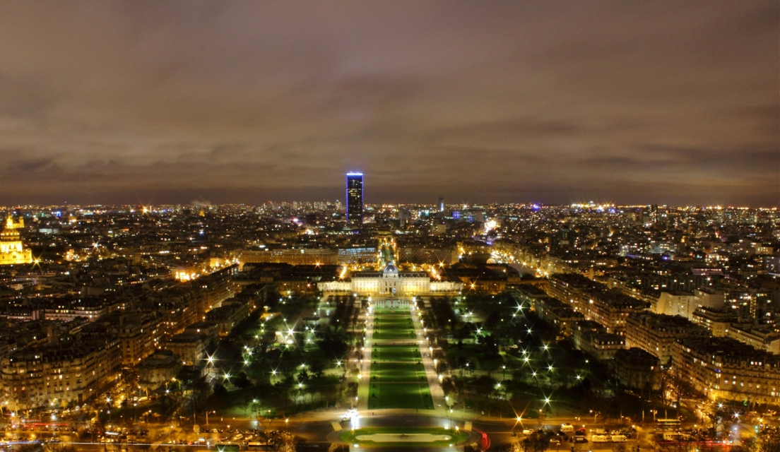 City of light #1, Paris, France  #paris #france #eiffel #tower #travel #night #light #photography  #urban  #landscape  #city  #skyline  #long #exposure #french #capital #wallpaper  #sky  @pa