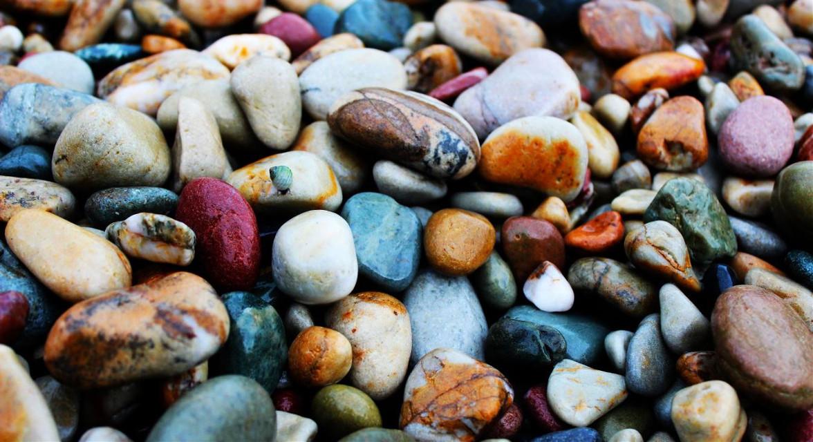 On the rocks! #photography  #life  #colorful #colorsplash #rain  #stones #pebbles @pa