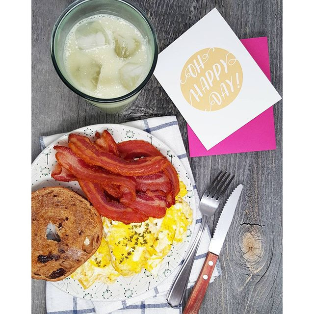 Ready for Monday! 🙆🙌 @KellerCrafted bacon, scrambled eggs 🍳, cinnamon raisin bagel with melted butter, iced matcha latte (with almond milk) ☕ and @PenniePost's positivity... 💕